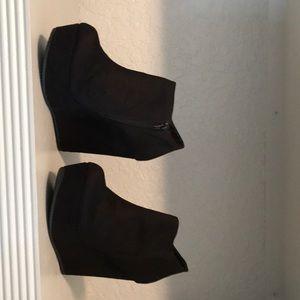 Aldo black wedge booties size9